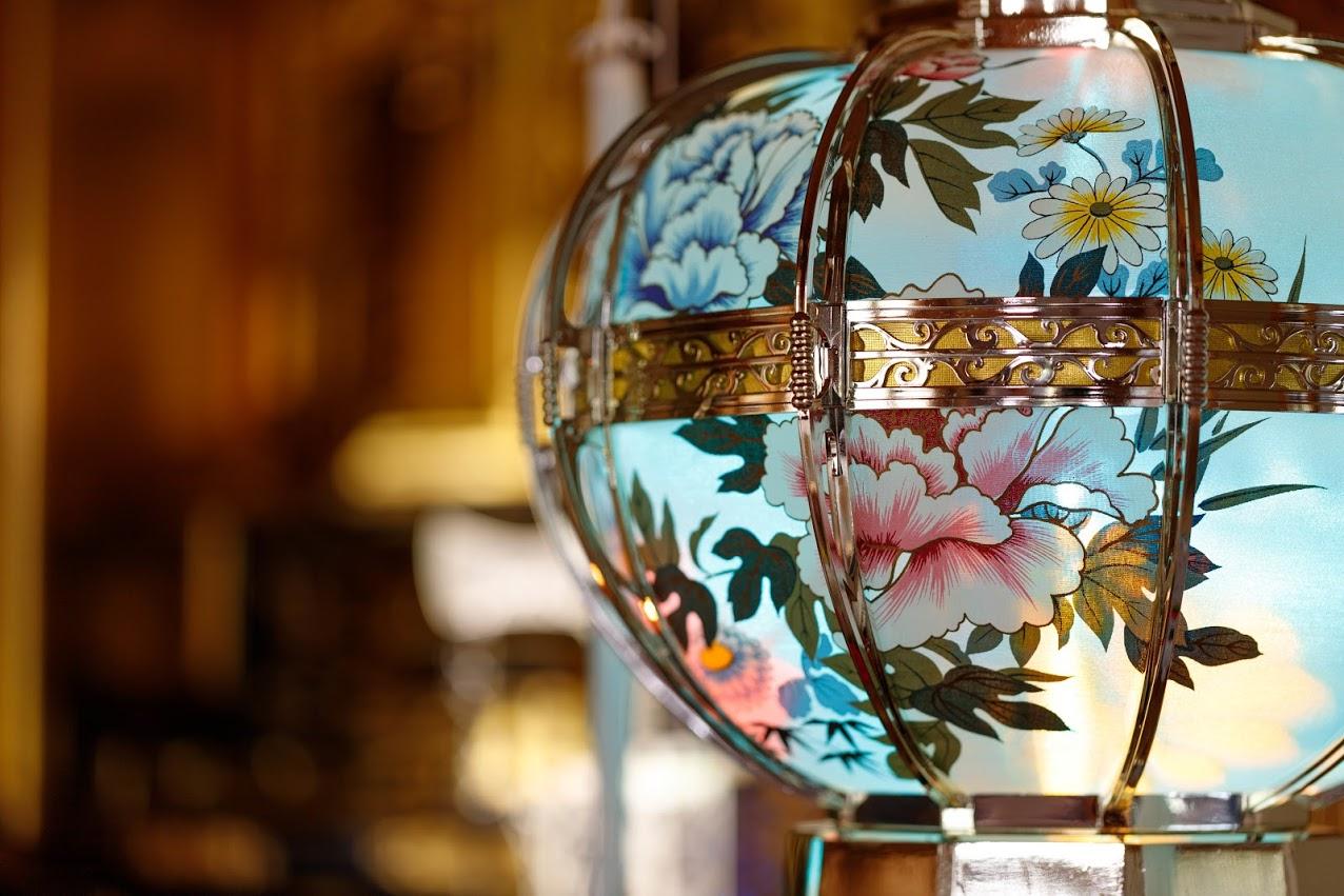 【ご先祖様が迷わず帰れるように】盆提灯の意味と飾り方を解説しますのサムネイル画像