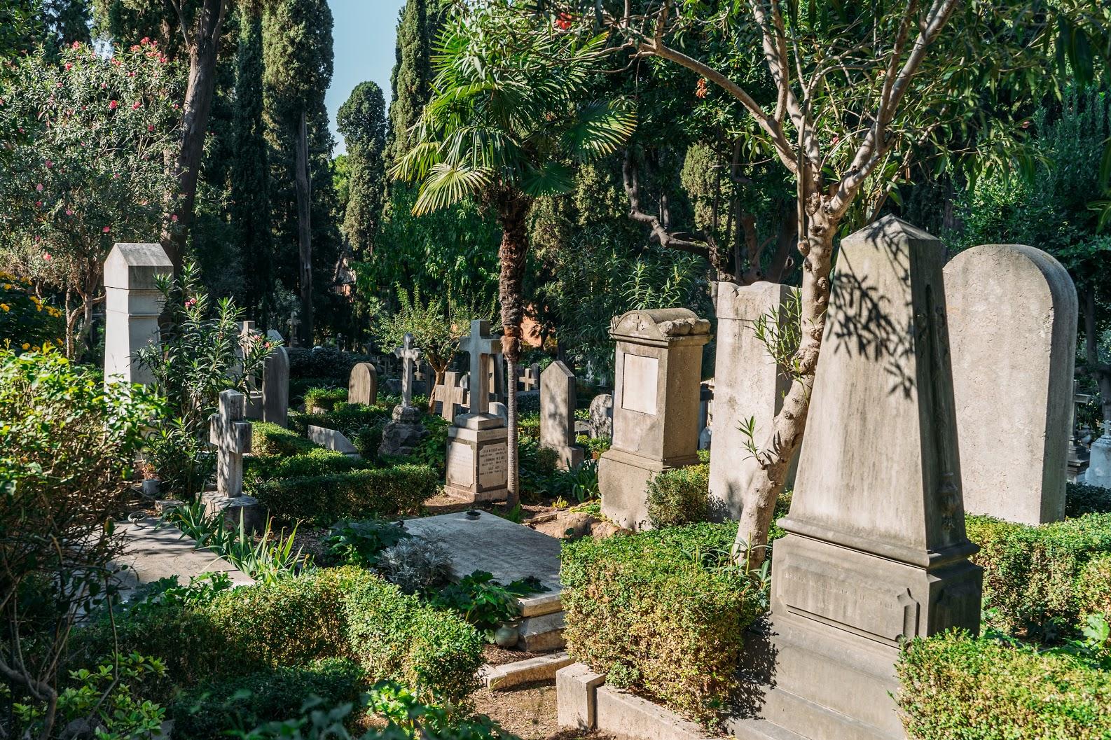 【葬儀】キリスト教のお墓を建てる場合に注意すべき点を解説のサムネイル画像