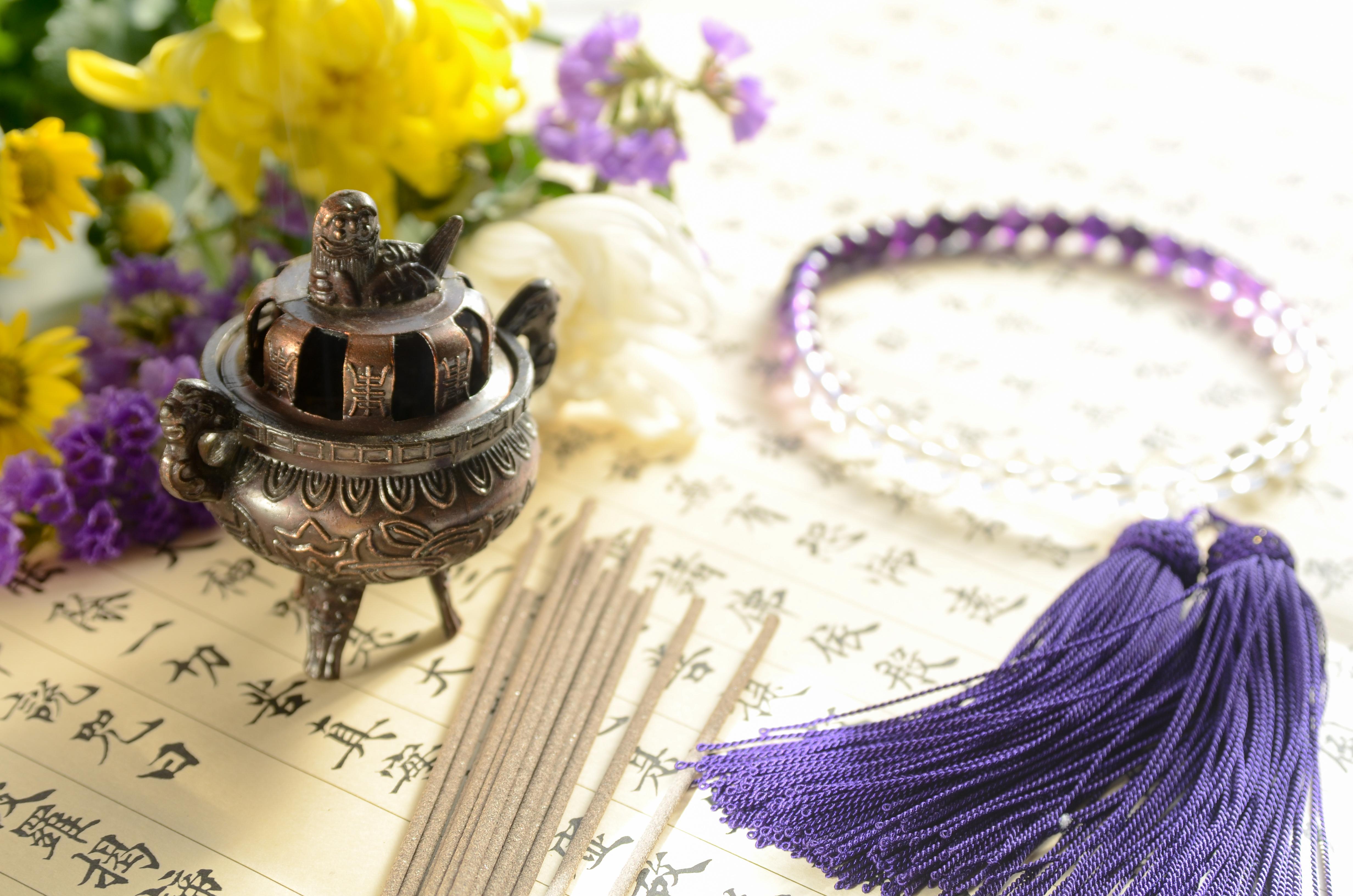 浄土真宗の仏壇の飾り方を解説!仏壇の置き方や選び方も紹介のサムネイル画像