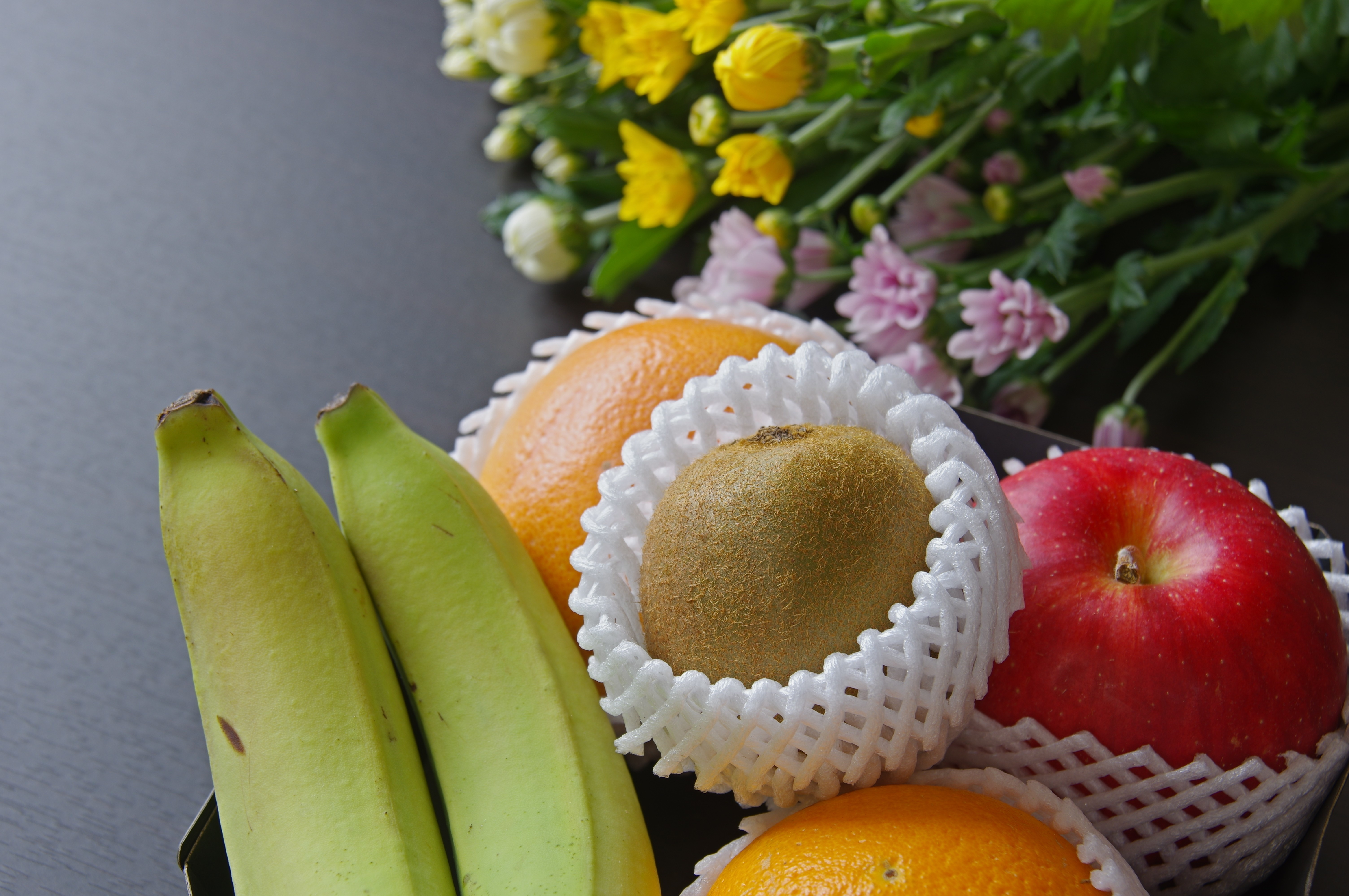 お供えの果物はスーパーで買える?どんなものを選べばいいの?のサムネイル画像
