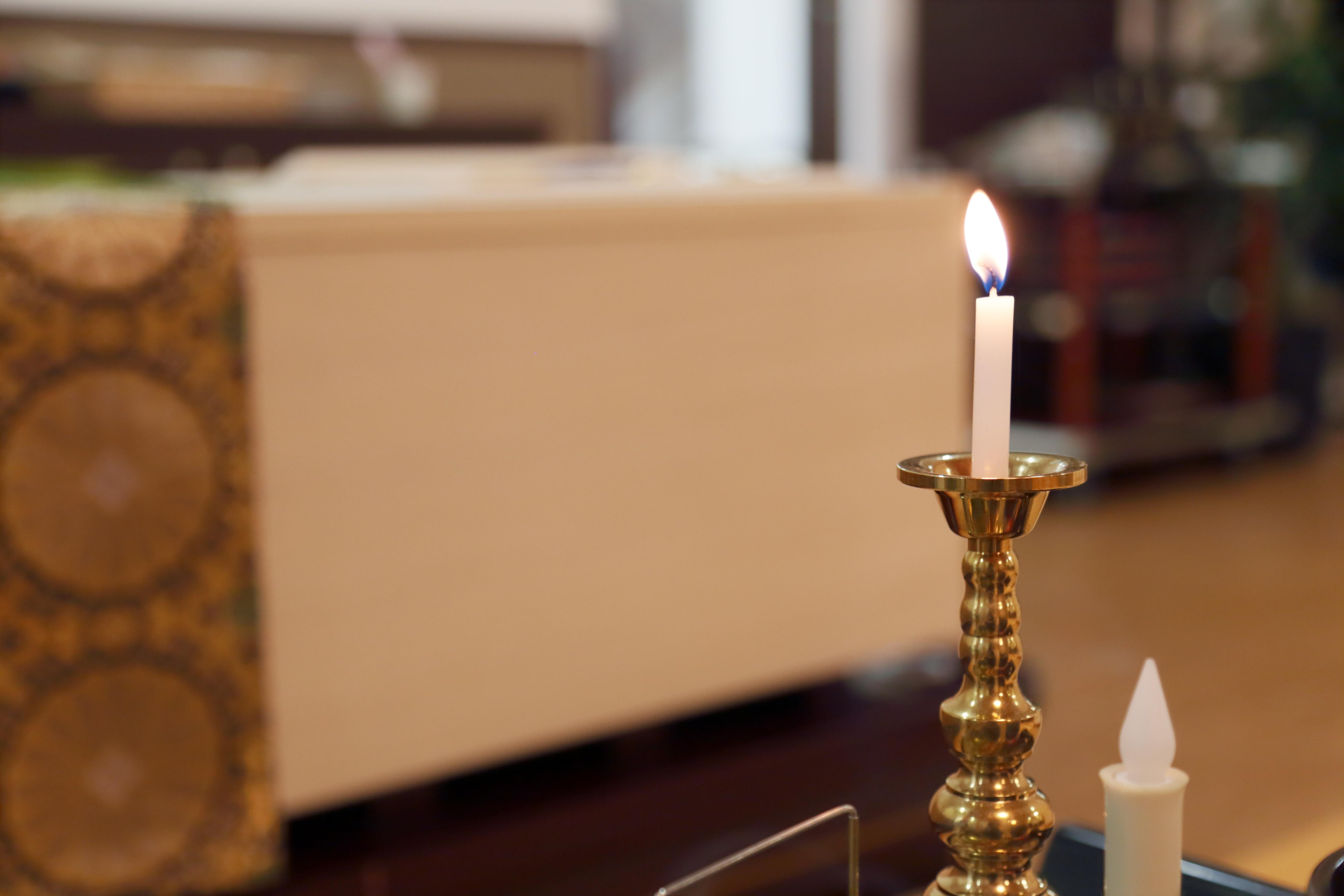 葬儀と火葬の流れとは?公営と民営の火葬場の違いも合わせて解説のサムネイル画像