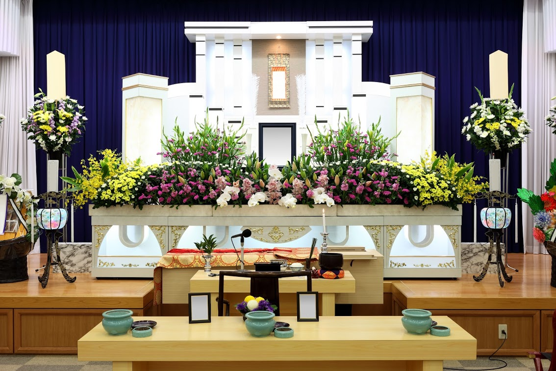 葬儀を行う前に準備をすることとは?一般的な葬儀までの流れを解説のサムネイル画像