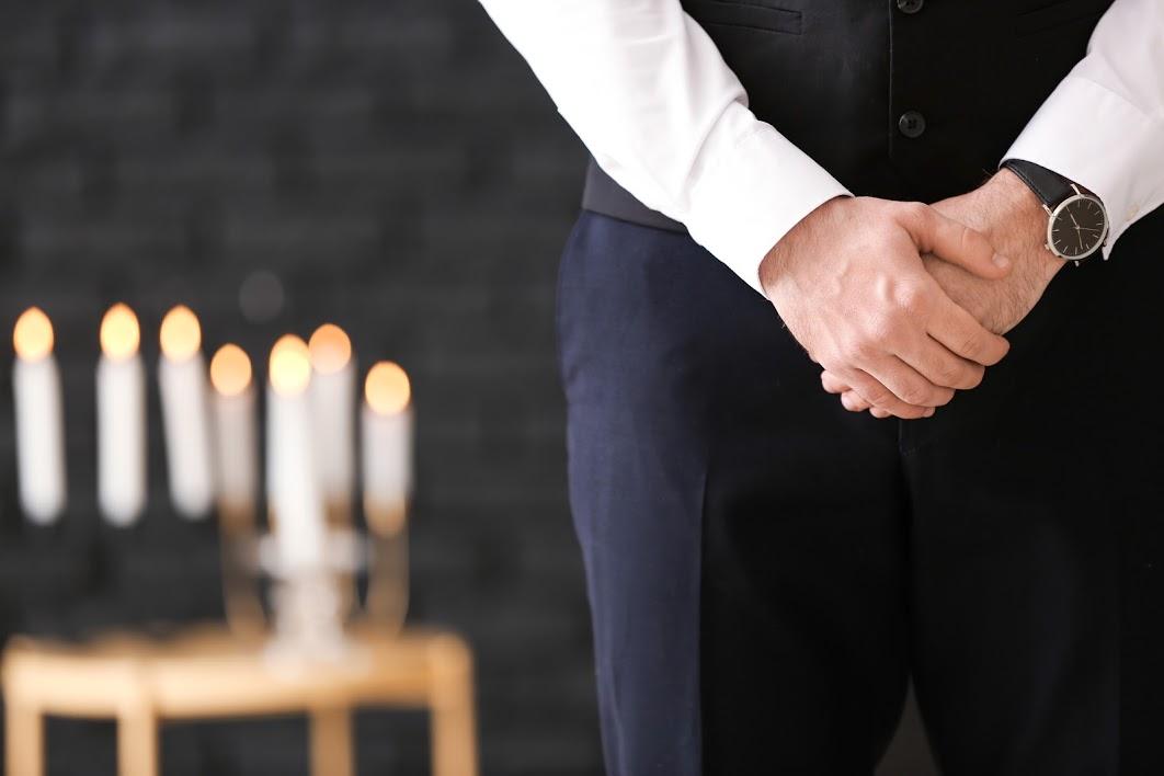 葬儀社を手配するときのタイミングは?選び方や費用について解説のサムネイル画像