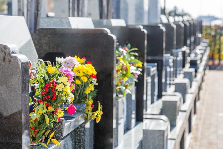 お墓参りの正しい仕方を知っていますか?作法やマナーと合わせて解説のサムネイル画像