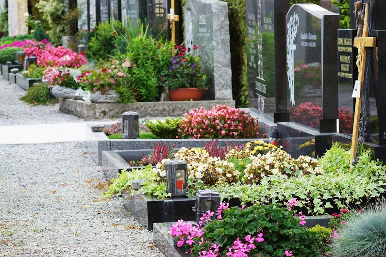 アメリカのお墓事情を詳しく解説|土葬から火葬そして新たな埋葬法へのサムネイル画像