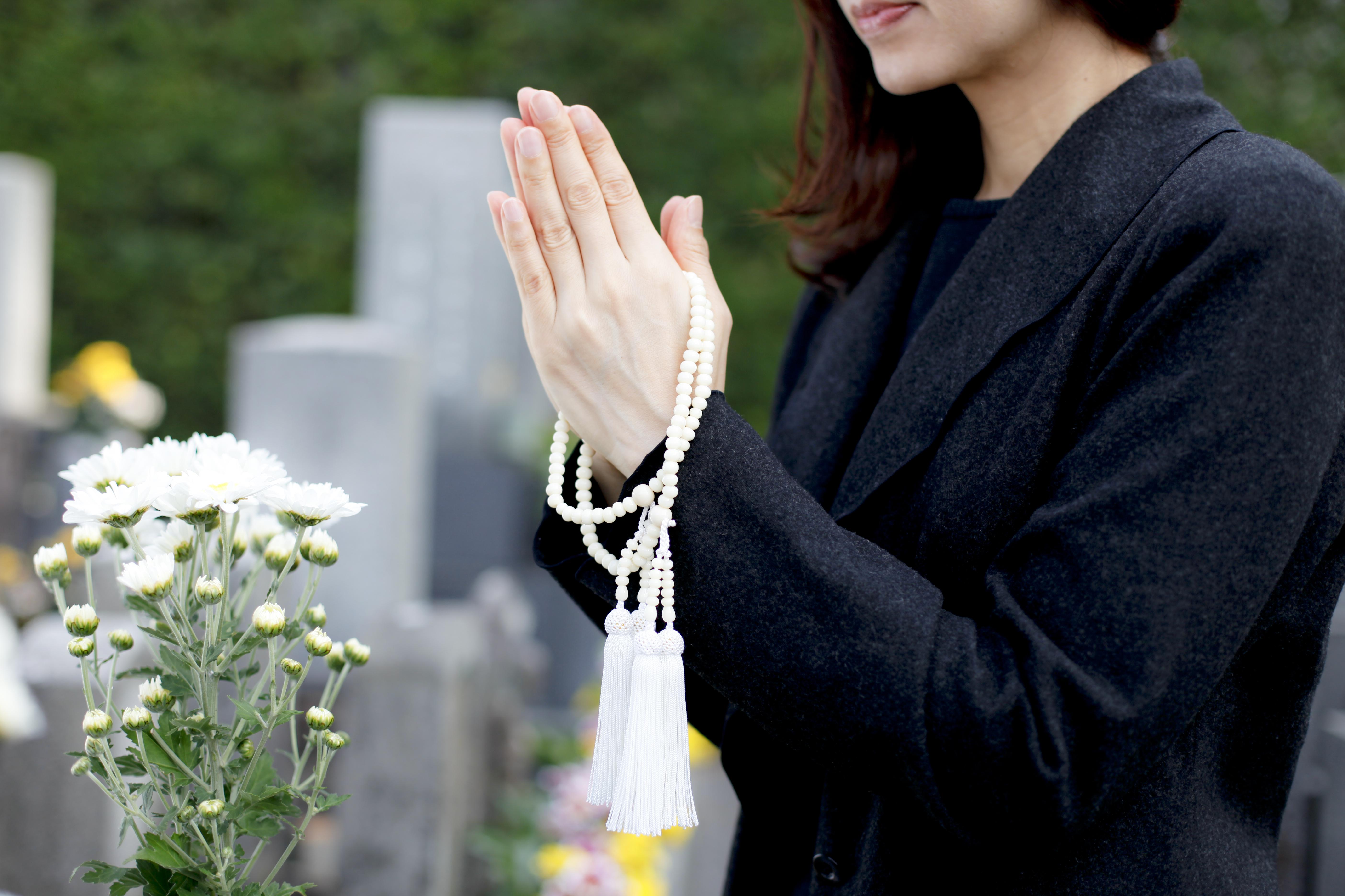 ペットのお墓の相場はどれくらい?お墓を選ぶポイントも合わせて解説のサムネイル画像